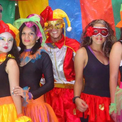 BBR Producciones: Empresas de Logística, Organización de Eventos, Matrimonios y Fiestas Medellín. Alquiler de minitecas, tarimas, sillas, luces y Sonido.